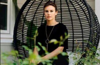 Alexandra Zarini